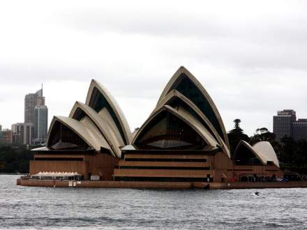 SydneyOperaHouse4_Photo-Credit-Bert-Frenz-440x330